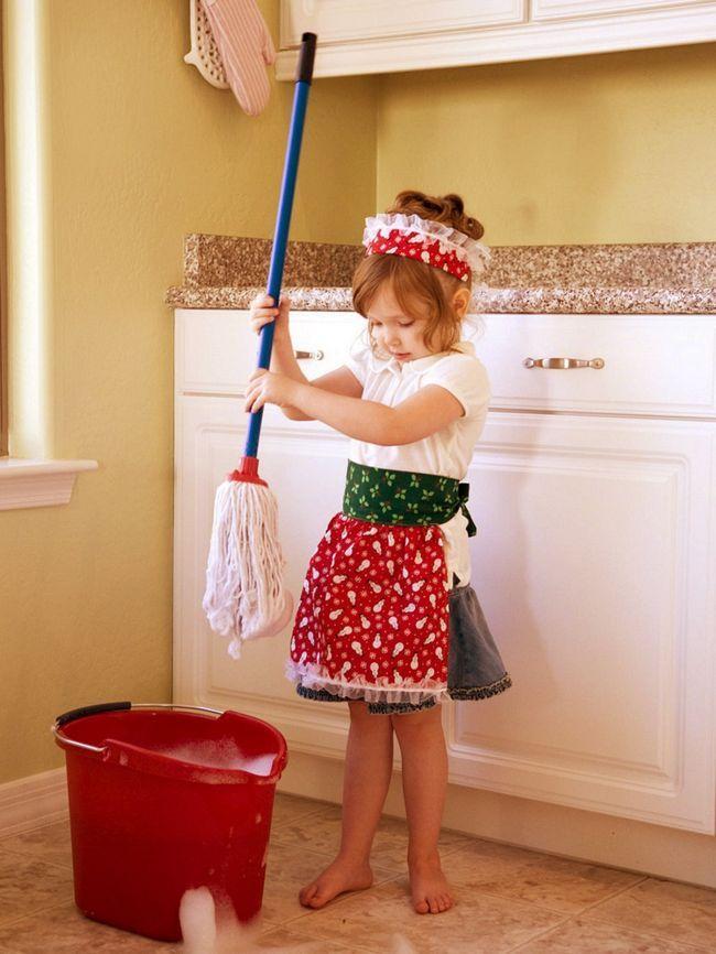 Як помити підлогу без хімії: безпечний засіб своїми руками!
