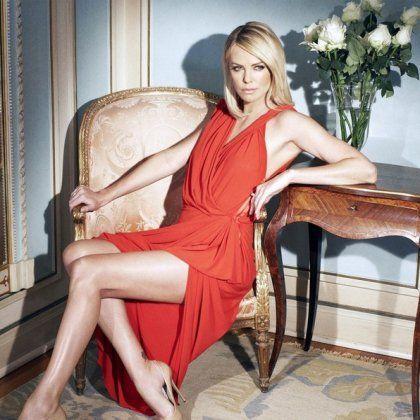 Як вибрати гарні пози для фотосесії в плаття: секрети позування