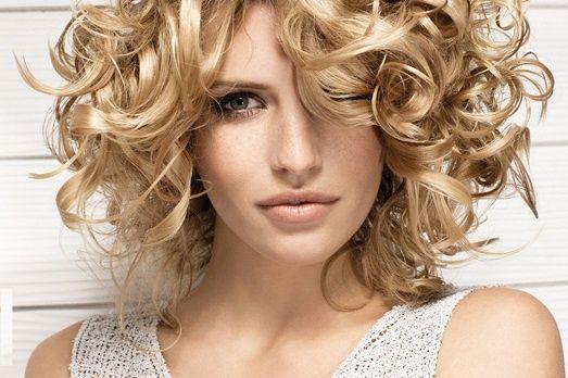 Як зберегти зачіску в спеку