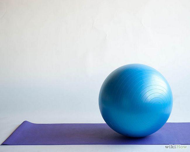 Як ставати в упор лежачи на гімнастичному м`ячі