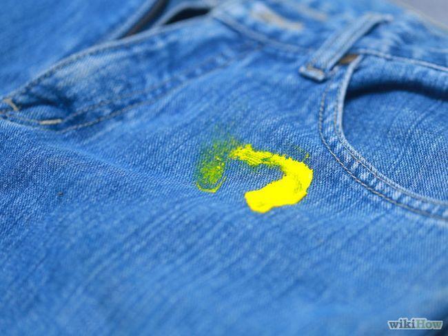 Як видалити акрилову фарбу з одягу