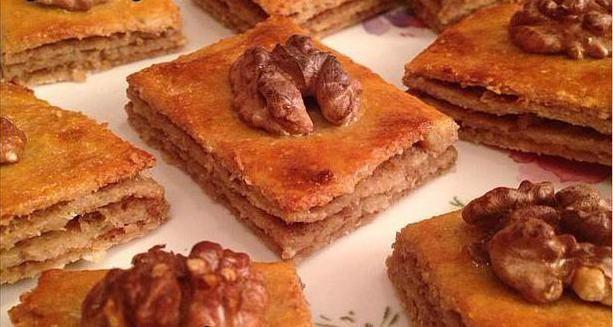 Пахлава: калорійність, склад, дієтичні рецепти, турецька медовий десерт