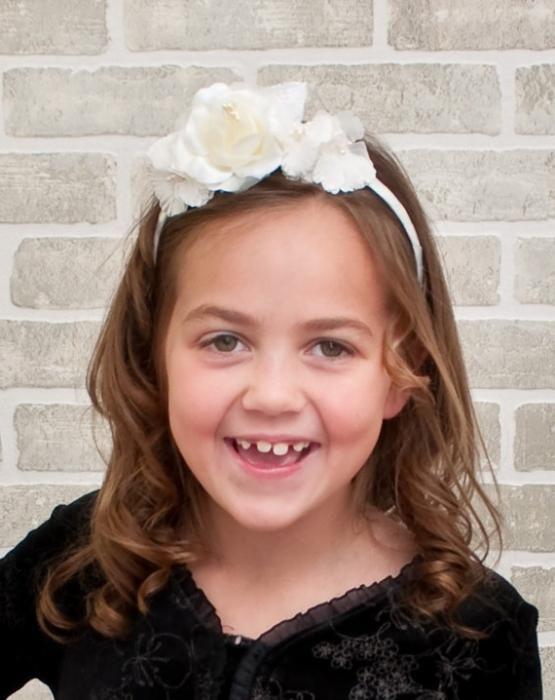 Зачіски для першокласниць: різні варіанти, поради та рекомендації