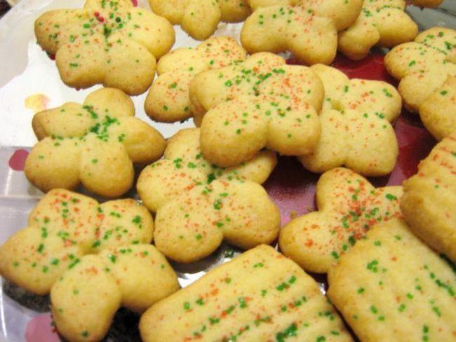 Рецепт печива для формочок - з карамеллю, фундуком та у вигляді грибів