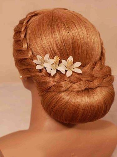 Вечірня зачіска з двома косами