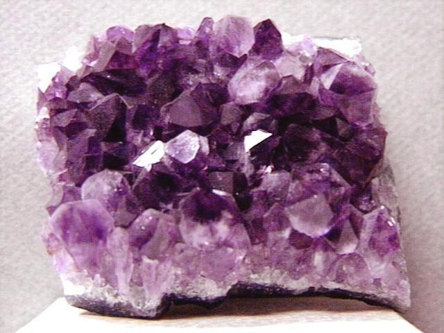 аметист камінь властивості як носити