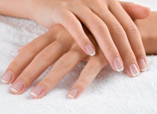 Зимовий догляд за нігтями