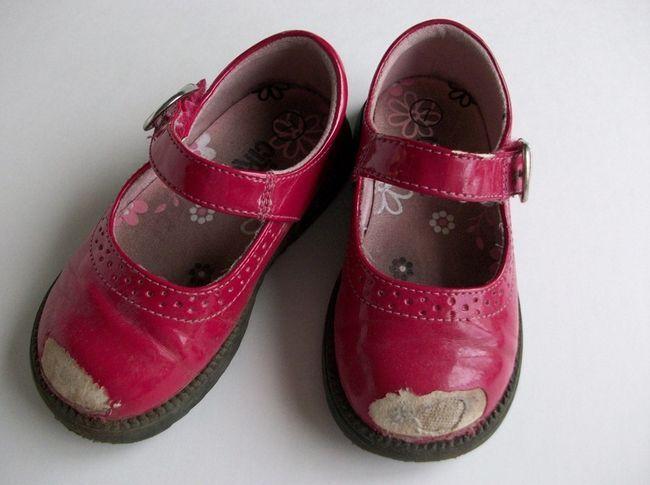 Як реанімувати дитячі туфлі