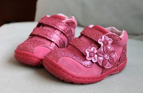 Як прикрасити дитячі черевички