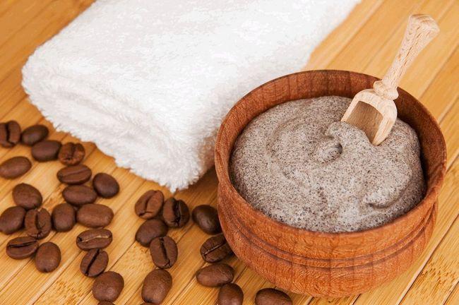 Маска для волосся з кавою: зміцнення і блиск фарбованого пасом