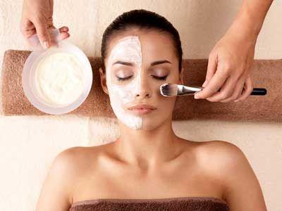 Маски для молодої шкіри обличчя в домашніх умовах