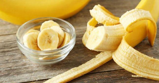 Маски для волосся з бананом