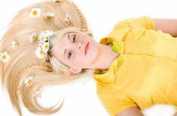 Ромашка для волосся: освітлення, відвари, ополіскувачі, настої і маски