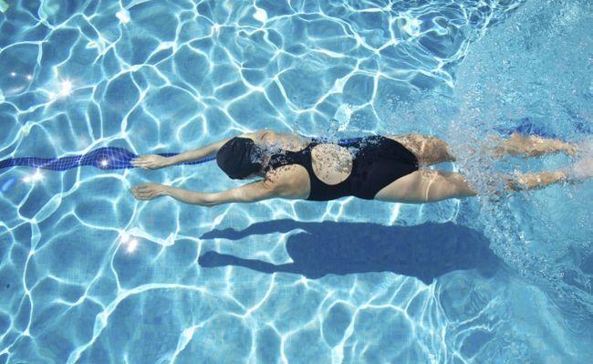 Плавання для схуднення: принцип дії