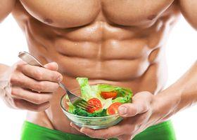 Чоловік може поліпшити потенцію, дотримуючись середземноморської дієти
