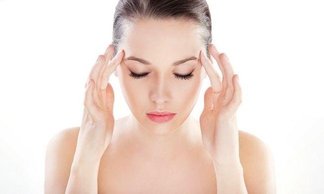 Що робити, якщо після пологів болить голова?