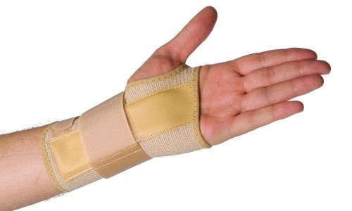 Як робиться масаж після перелому руки
