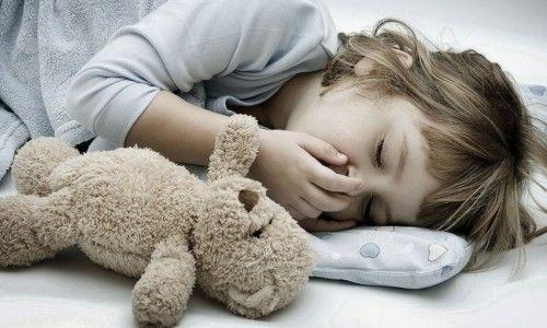 Як можна відрізнити сухий кашель від мокрого у дитини?