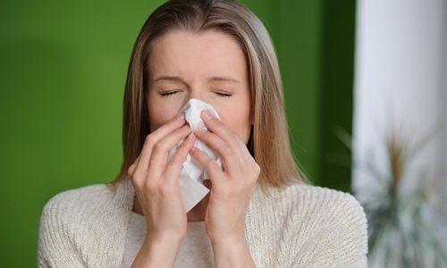 Чому з`являється нежить, головний біль без температури?