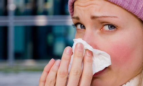 Чому у дорослих і дітей болить ніс всередині?