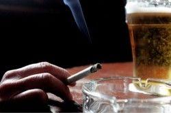 Пристрасть до куріння і алкоголю як причина зниження потенції